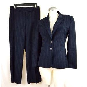 Tahari ASL Size 8P Blue Pinstripe Pant Suit